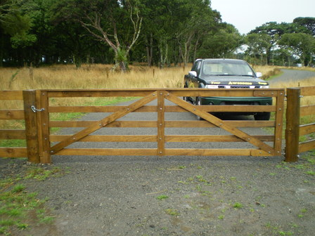 Wooden chest of drawers plans farm gate designs wood for How to build a driveway gate